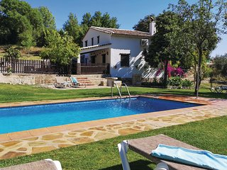 Nice home in Grazalema w/ Outdoor swimming pool, WiFi and 4 Bedrooms