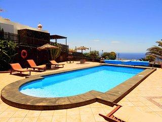 Casa de vacaciones Casa Yuno con piscina privada y vista al mar en La Asomada