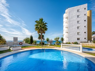 2 bedroom front line beach apartment, Algaida, Calahonda 2171