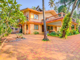 Vibrant 2 BHK for 6, 1.3 km from Calangute Beach