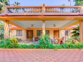 Well-furnished 2 BHK, 1.3 km from Calangute Beach