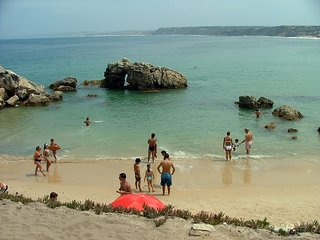 Peniche near the beach for 9 people