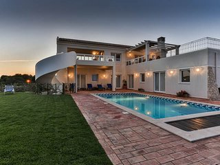 Villa Ocean Blue, magnificent ocean views, located at Martinhal Sagres