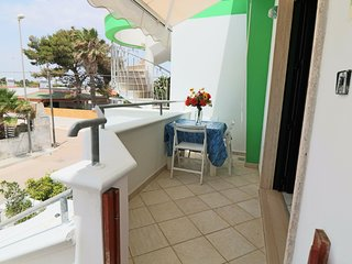 Ettore holiday home with sea view in Residence Uxsentum