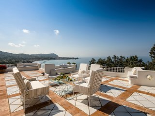 Mezzavia Villa Sleeps 10 with Pool and Air Con - 5794890