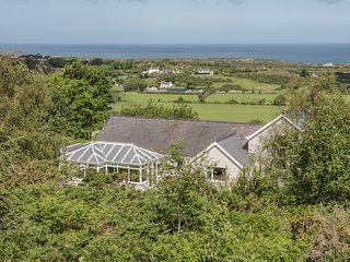 TREGARTH, stunning country views, near Amlwch