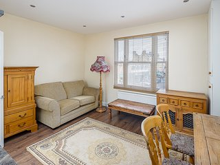 2 Bedroom Flat in London, 5 Mins to London Bridge