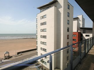 Three-Bedroom Penthouse Apartment with Sea Views