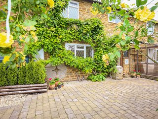 Stone Wheel Cottage, 3 bedrooms and swimming pool, perfect for friends and