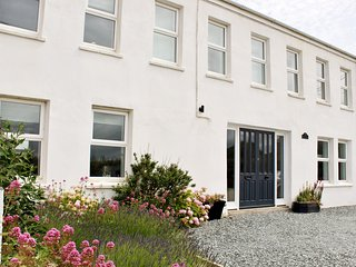 5 bed house,close to Padstow, with Hot Tub ( £150 charge  out of season)