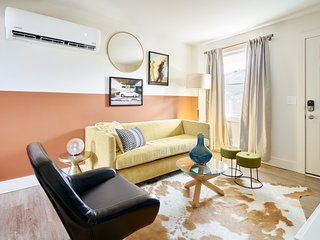 Sonder | State Street | Bold 1BR + Sofa Bed