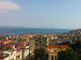In the heart of Naples a wonderful compl. apartment with fine finishes, sea view