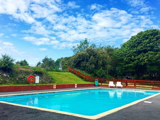 Snowdrop Cottage nr Woolacombe with outdoor heated pool