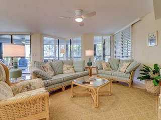 Pine Cove #204: Stunning Gulf Front Condo & Awesome Location on West Gulf Dr!