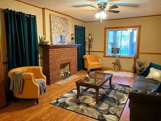 Cozy house close to Derby, UofL and downtown
