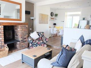1 Saron Cottages, Pendre Road, Penrhynside, Llandudno LL30 3DH