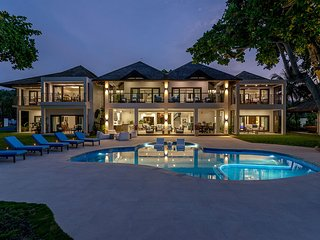 Beachfront Luxury Villa, Ocho Rios, Butler! Chef! Tennis Court! Gym! Malatai8