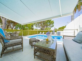 Quinta do Lago Villa Sleeps 5 with Pool Air Con and WiFi - 5807754