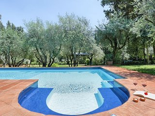 Centro Storico Villa Sleeps 26 with Pool Air Con and WiFi - 5807752