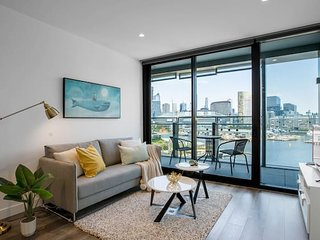 87*Docklands Panoramic Harbour Views*2Bd2Bth*Lv8*Waterside*FreeCarPark