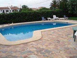 Chalet con piscina en Dénia para 6/12 personas