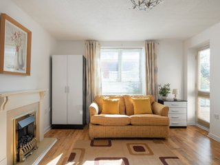 MODERN LONDON 1 BEDROOM APARTMENT WITH FREE PARKING