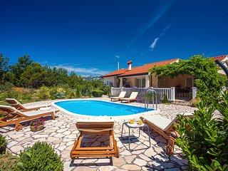 VILLA ANA - Modern 3 bedroom villa with pool and beautiful environment
