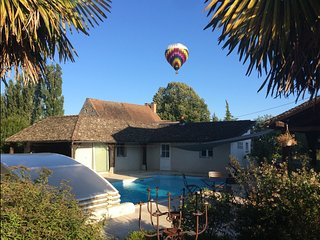 Les Tourelles, chambre < artistes >, piscine