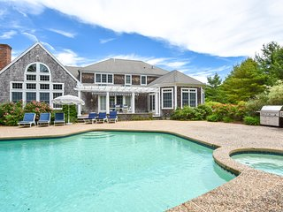 #714: Massive luxury home, private pool and game room, walk to the beach!