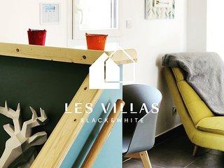 Villas Black&White / Villa White