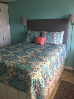 Private bedroom with lots of storage for your swimsuits. TV & DVD player