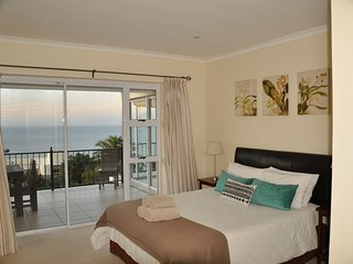 Simons Town Villa Beach and Mountain Views