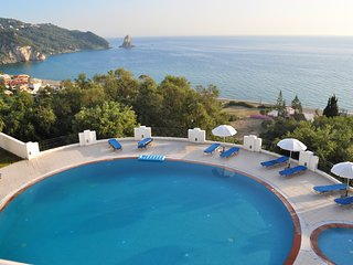 Apartments with pool maria on Agios Gordios Beach