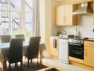 1 bed property situated in the centre of Llandudno