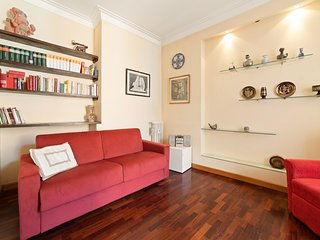 Elegant flat w/Balcony - 11min from Colosseum