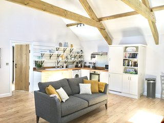 Gilliflower - stylish, cosy and dog friendly.