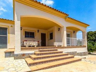 Villa Borras in the hills of Costa Dorada only 3km to the beach