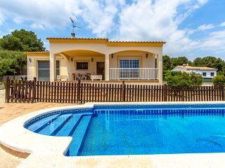 Villa Borras in the hills of Costa Dorada only 3km to the beach