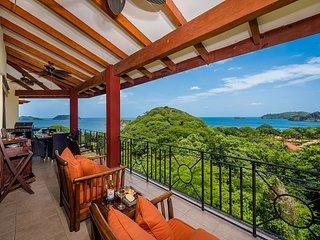 Jaw Dropping Ocean Views, 2 Balconies, Pool, BBQ, 2 Beaches!