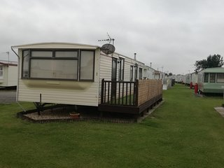 Seaside Caravan Towervans. Dog & Scooter Friendly. Ramped veranda. Car parking