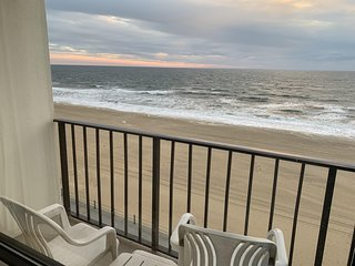 VA Beach Oceanfront/Boardwalk - Hot Tub!