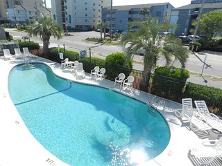 Partial Oceanview Condo with elevator and pool close to Murrells Inlet