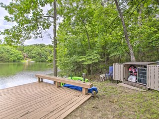 NEW-Innsbrook Lakehouse w/Hot Tub, Fire Pit, Boats