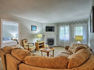 Cozy Condo w/Loon Mtn View, Pool, Hot Tub &Balcony