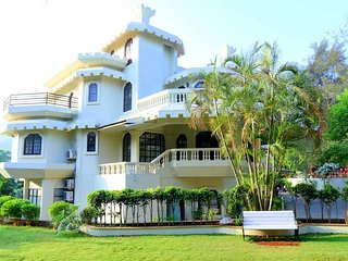 Absolutely Charming 8 BHK Villa with Private Swimming Pool