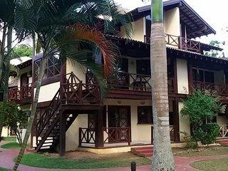 Casa em condomínio fechado frente ao mar