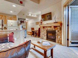 Cute and Cozy Unbeatable Center Village Location, Steam Room, Hot Tub, Sauna, 3