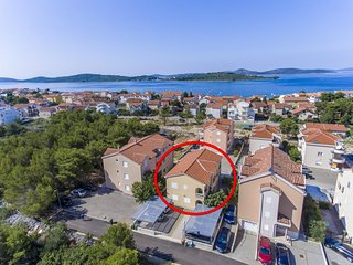 Two bedroom apartment Srima - Vodice (Vodice) (A-17660-e)