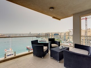 Contemporary, Luxury Apartment with Valletta and Harbour Views