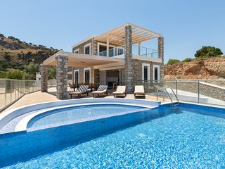 Two stone built villas each for up to 8 persons with private pool